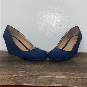 Chinese Laundry Navy Blue Faux Suede Wedged Heels